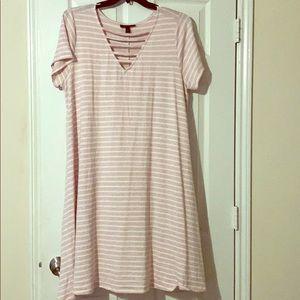 Plus size V neck maxi dress